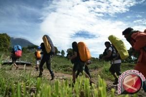 Pendaki Gunung Kerinci diminta waspada cuaca buruk