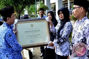 Tujuh sekolah di Batanghari dapat penghargaan  Kemendikbud