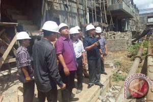 Pembangunan belum selesai, dewan panggil investor pasar Angsoduo
