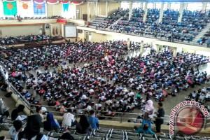 9.636 lulusan SMA bersaing untuk kuliah di Universitas Jambi
