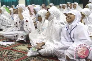Menpora beri spirit nasionalisme pada pesantren ramadhan
