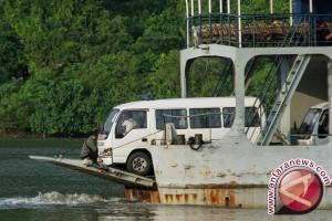 Ambulans pembawa jenazah terpidana mati tinggalkan Nusakambangan