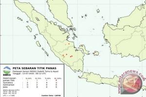 Satelit deteksi 56 titik panas di Pulau Sumatera