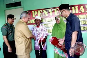 "TNI dan Pemkab Tanjabbar selesaikan program ""bedah rumah"""