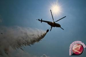 Dua helikopter padamkan api di lahan gambut