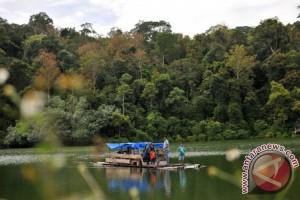 Wisata Danau Hutan Adat