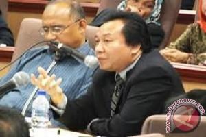 Pengamat: Pemerintah harus tingkatkan kapasitas profesionalisme guru