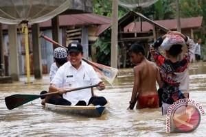 Bupati dan wakil bupati Merangin pantau banjir di Tabir