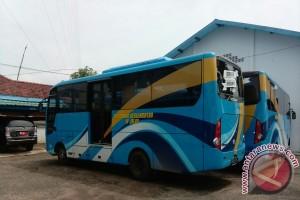 Jambi dapat bantuan lima bus transportasi umum