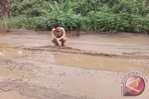 Gubernur targetkan pembangunan jalan provinsi 96 km