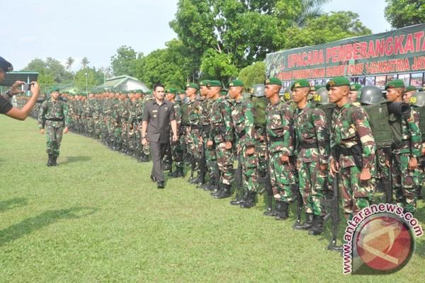 Gubernur lepas pemberangkatan prajurit Raider Yonif 142/Ksatria Jaya