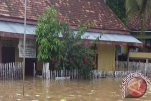 Pascabanjir puluhan sekolah di Batanghari libur