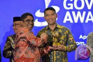 "Wali Kota Jambi terima penghargaan ""Government Award"" 2017"