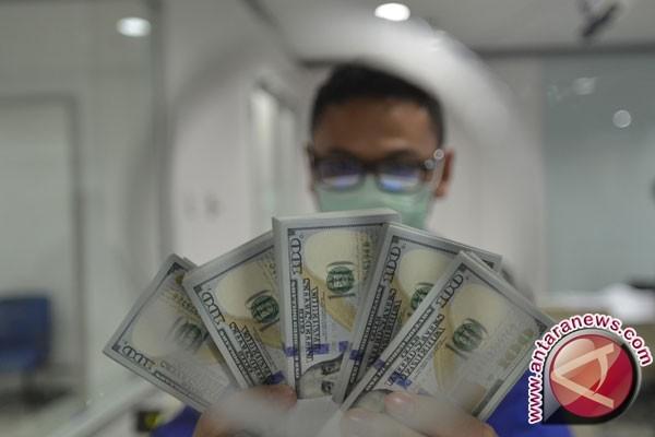 Kurs dolar AS sedikit melemah