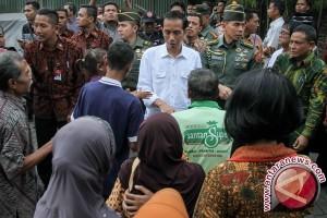 Presiden Jokowi kembali bagikan paket Lebaran di Solo