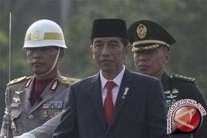 Presiden Jokowi pimpin HUT Polri ke-71