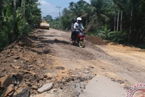 Dewan Tanjabar kritisi lambannya pengerjaan jalan