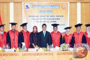 Profil - Kailani sandang gelar doktor