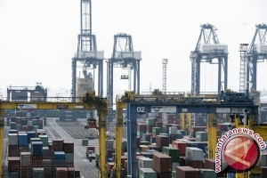Neraca perdagangan defisit 270 juta dolar AS