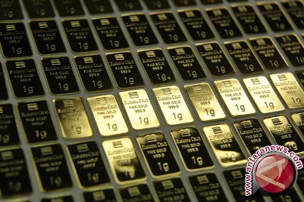 Emas menguat karena ekuitas dan dolar turun