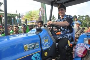 Zola: Bantuan alsintan penghargaan atas komitmen petani