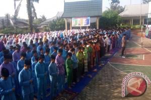 SMPN 19 Jambi gelar doa untuk Rohingya (Video)
