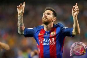 Barcelona pesta 5-0 atas Espanyol, Messi hattrick