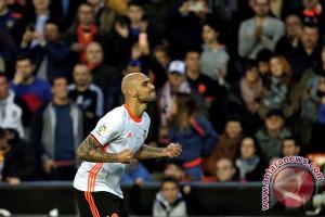Valencia menang atas real Betis 6-3 geser Madrid  dari posisi ke dua