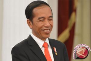 Presiden Jokowi tegaskan dana desa harus buka lapangan kerja