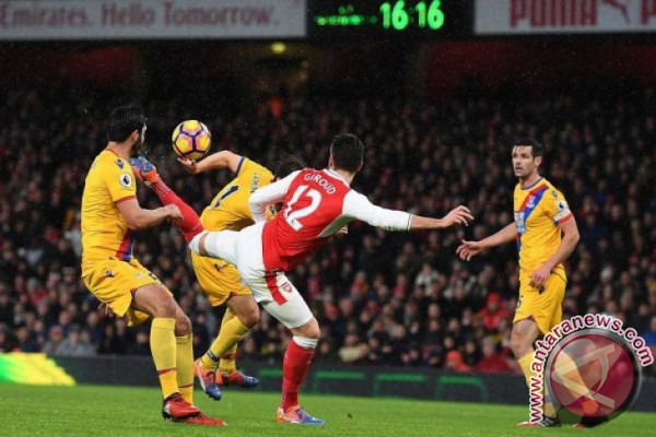 Arsenal dan Liverpool ditahan Tim Papan Bawah