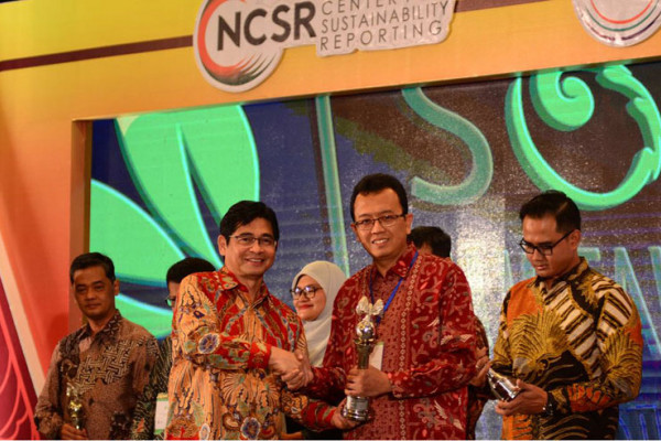 Bio Farma Raih Kembali Sustainability Report Award 2017