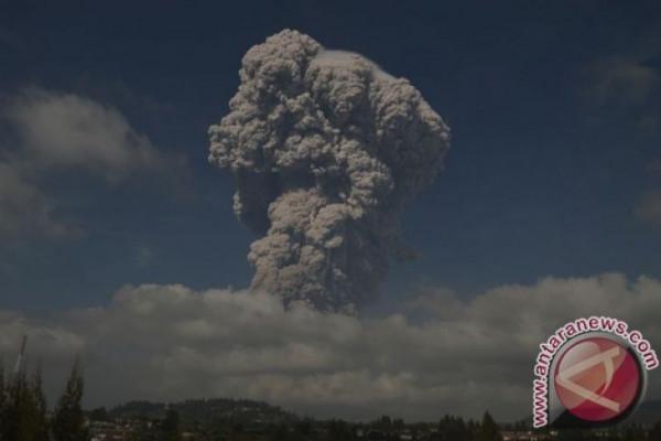 Abu Vulkanis Sinabung capai Lhokseumawe