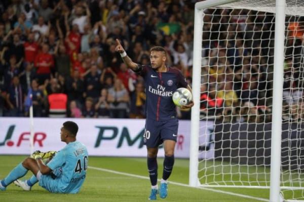 PSG tundukkan Marseille dengan skor 3-0