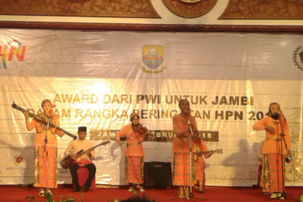 Musikalisasi puisi SMAN 1 Kota Jambi