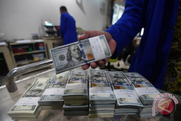 Dolar AS diperdagangakan bervarisi