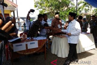 Plt gubernur pantau sejumlah TPS
