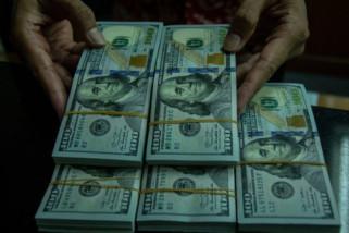 Dolar AS melemah karena euro naik