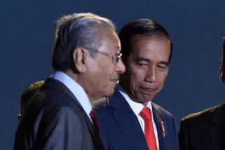 Mahathir berkhidmat pada