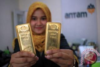 Emas naik tipis karena dolar AS melemah