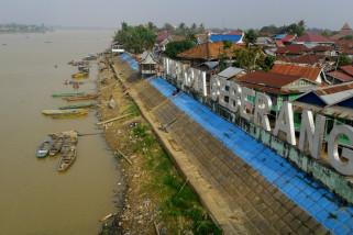 Perahu tak tergantikan untuk menyeberangi Batanghari