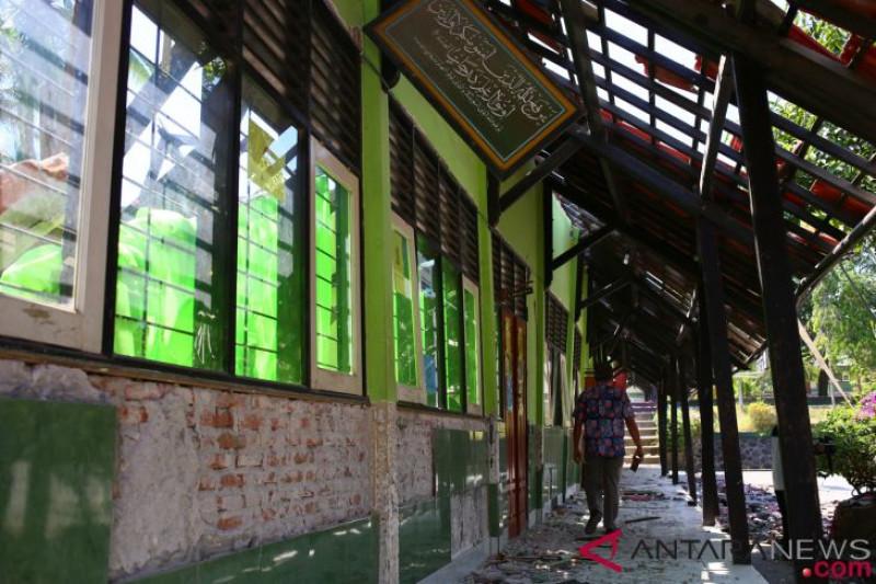 Memulihkan sekolah pascagempa Lombok