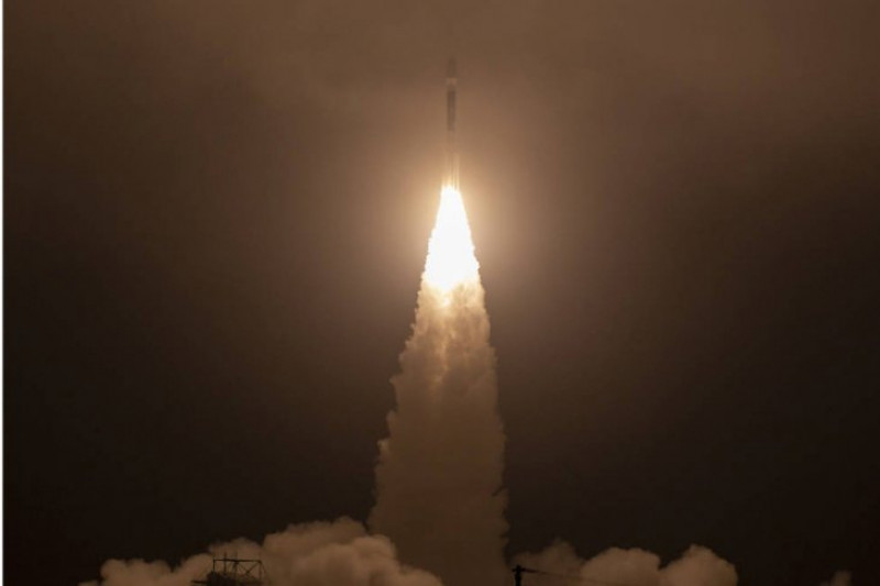NASA luncurkan satelit pelacak perubahan es Bumi