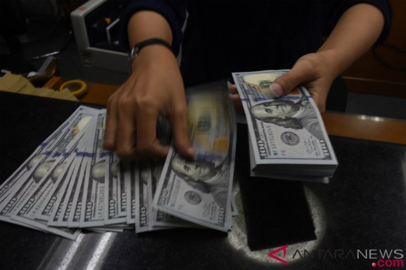 Dolar melemah tertekan data negatif ekonomi AS