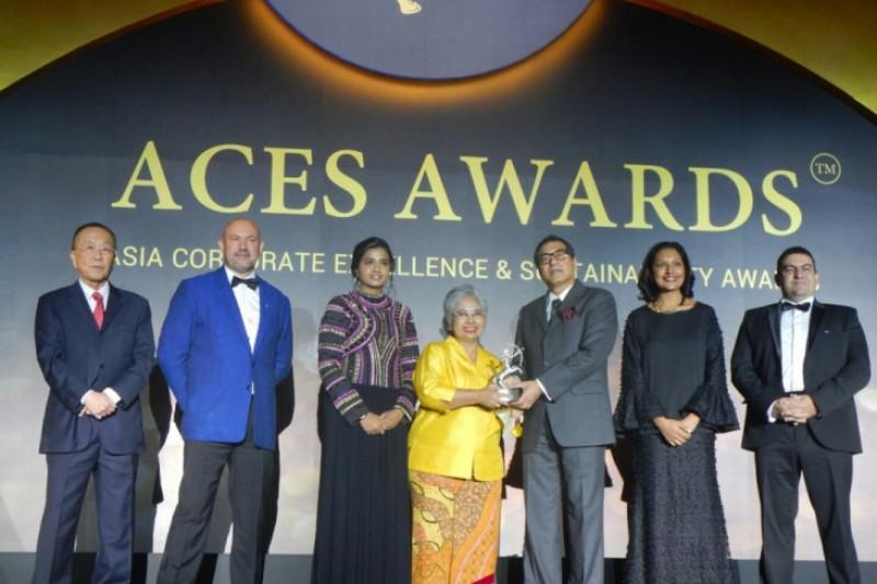 Berkat didikan keluarga, Shanti raih penghargaan Asia