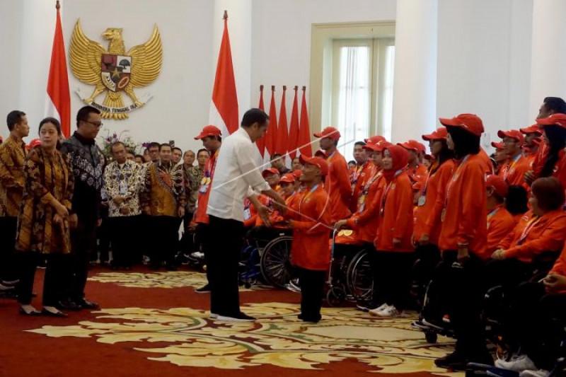 Presiden serahkan bonus atlet Asian Para Games