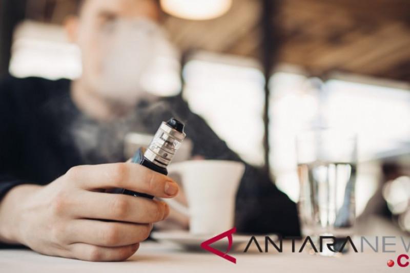 Peneliti: vaping picu radang paru-paru