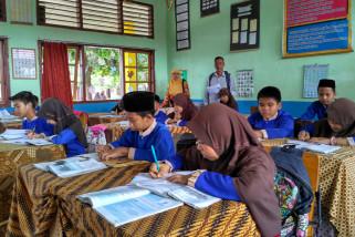 Praktik pemantauan mitra sekolah Tanoto Foundation di Batanghari