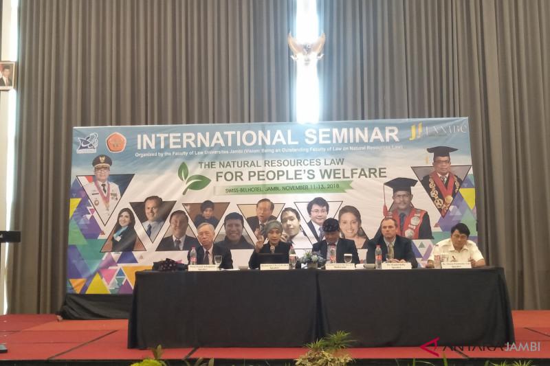 """Unja gelar seminar internasional """"hukum sumber daya alam"""""""