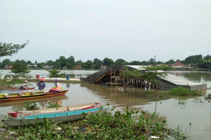 Salah satu sudut Danau Sipin yang tengah ditata