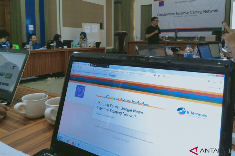 "Jurnalis di Jambi ikuti ""Google News Initiative Training Network"""